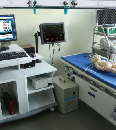 0001160_gdacls1400_comprehensive_neonatal_emergency_skills_training_manikin
